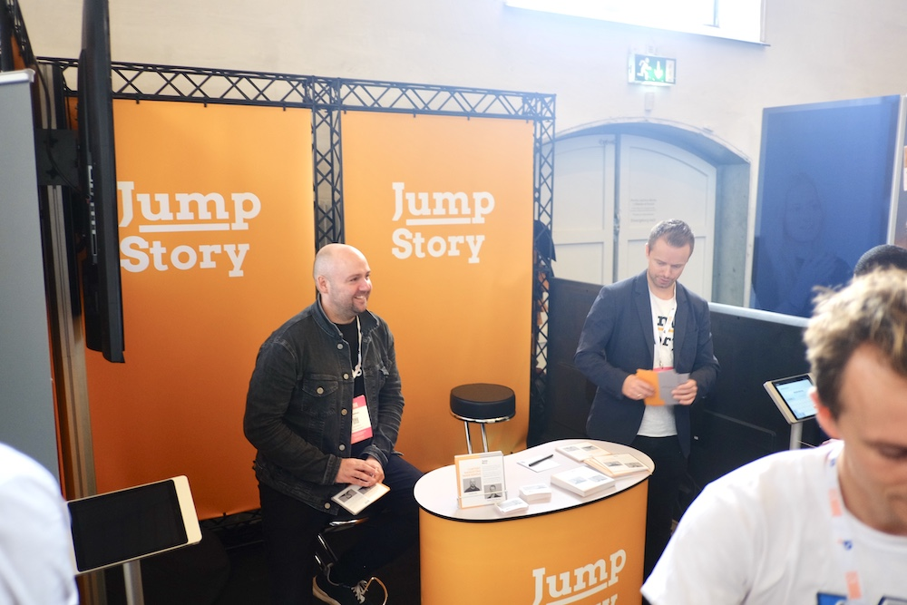 jumpstory capture sales leads on trade fair